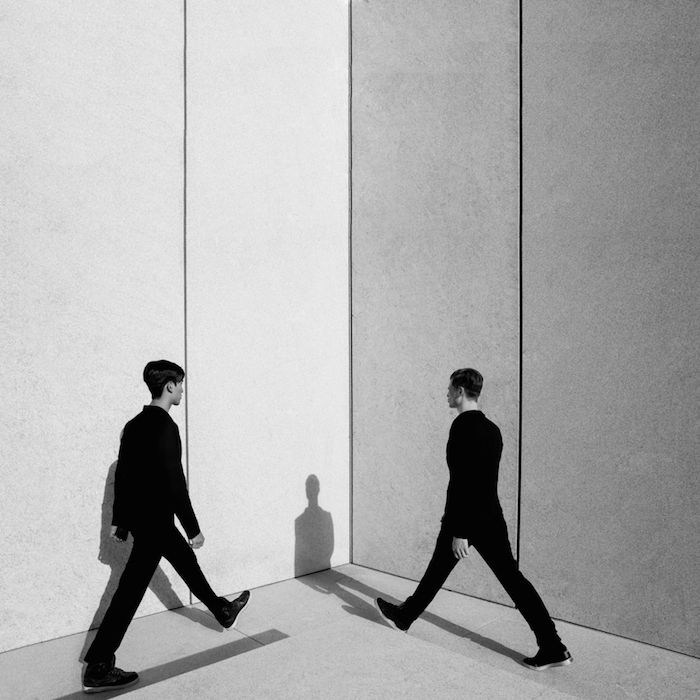 Minimal Fashion Photography By Paul Jung Minimal Fashion - Minimalistic black white photo series captures energetic movements mid air