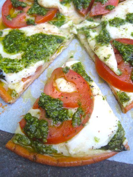 Gluten Free Pesto Caprese Pizza Recipe Glutenfree In Under 15