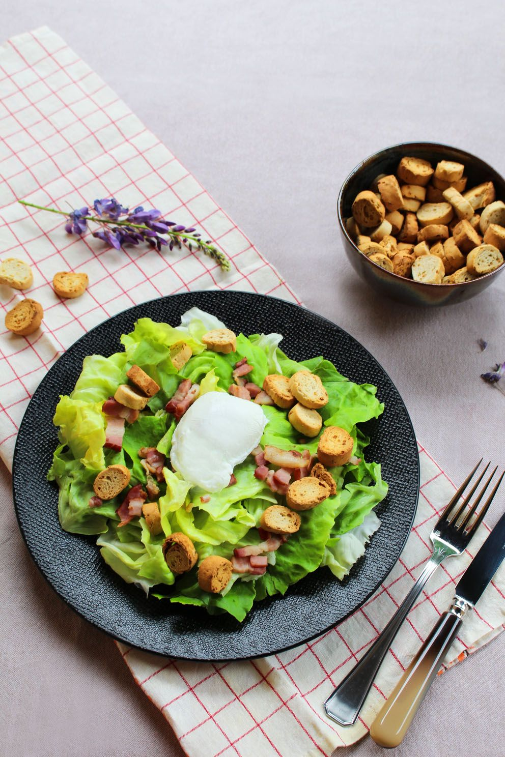 Dlicieuse salade lyonnaise recette delicious lyonnaise salad dlicieuse salade lyonnaise recette delicious lyonnaise salad recipe autumn fall recipe forumfinder Gallery