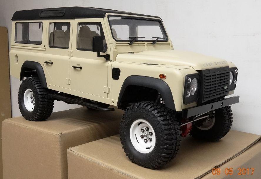 new painted land rover defender d110 1 10 scale hard. Black Bedroom Furniture Sets. Home Design Ideas