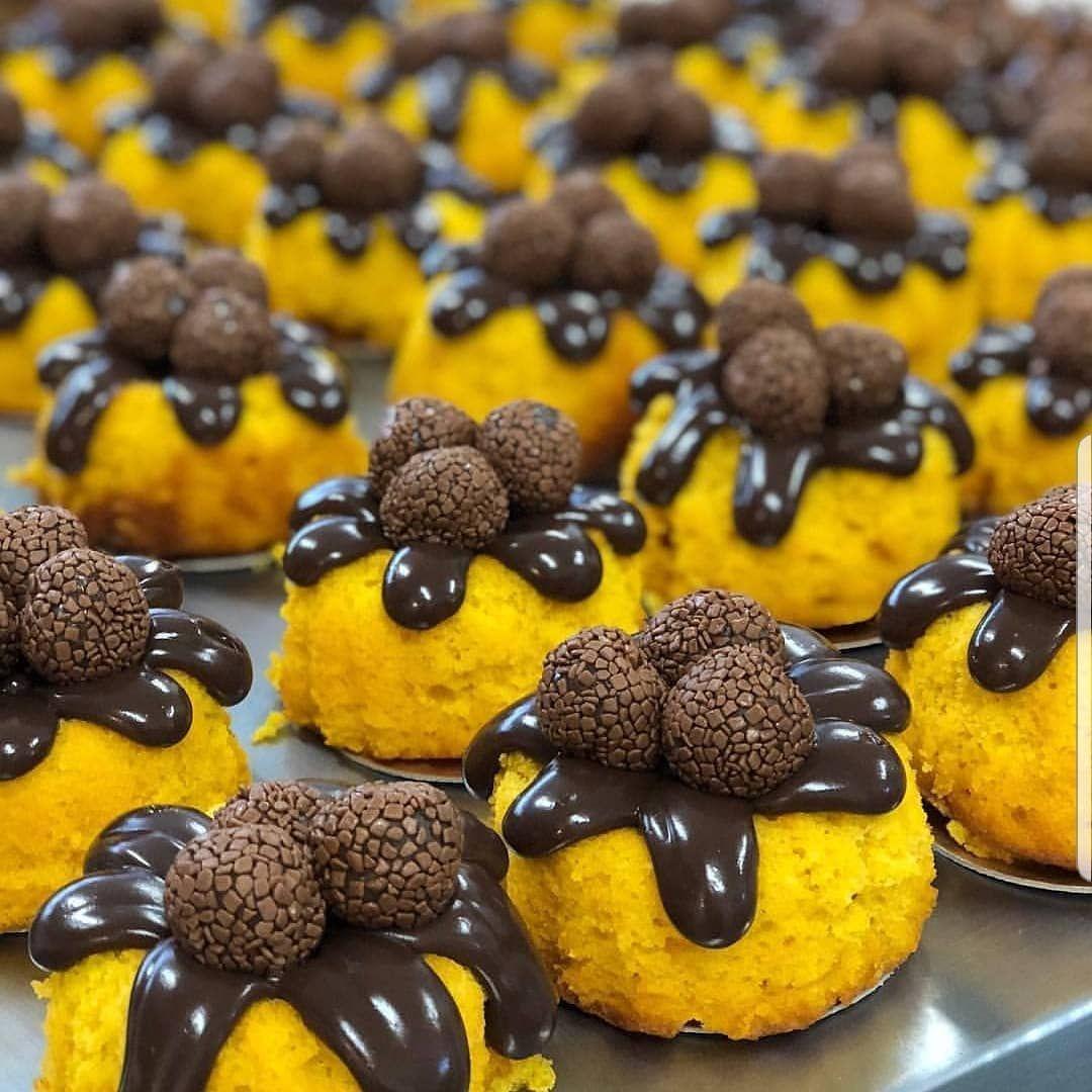 Mais Uma Opcao Deliciosa Pra Halloween Mini Bolo De Cenoura Com