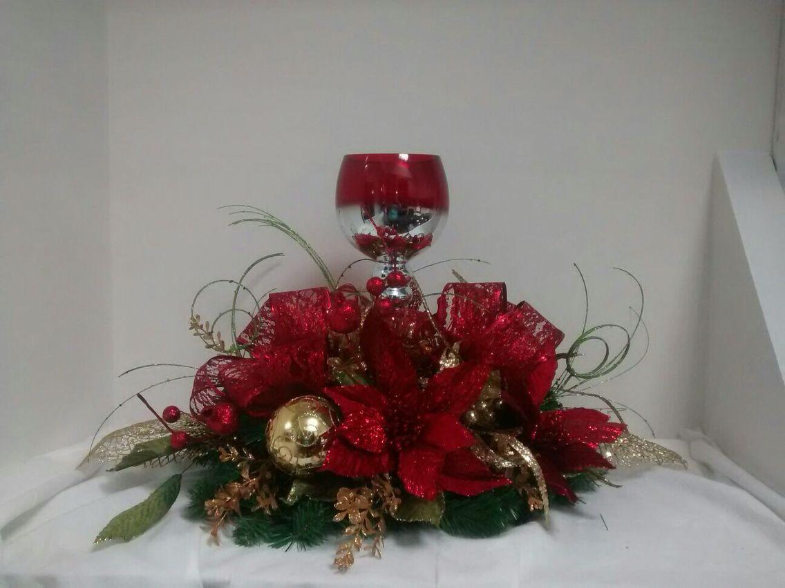 Centro de mesa con copas centros de mesas navide os for Centros navidenos