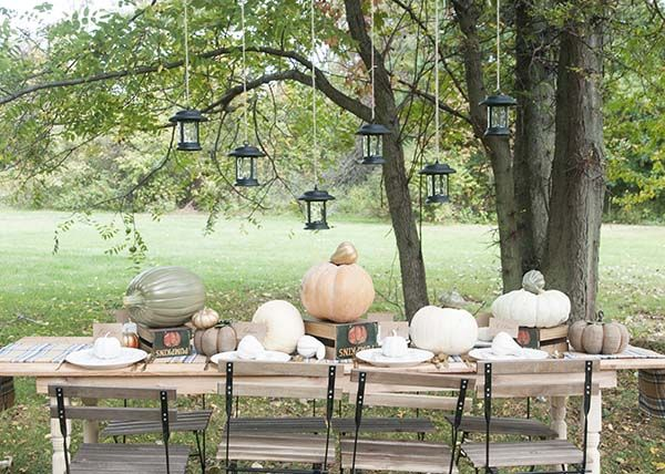 Fall Decorating Ideas for an Outdoor Dinner Party ...
