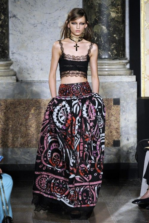 9b331d1b9a1c Gypsy Woman fashion | ... Fashion Week included this gypsy-inspired look.  It's so beautiful and