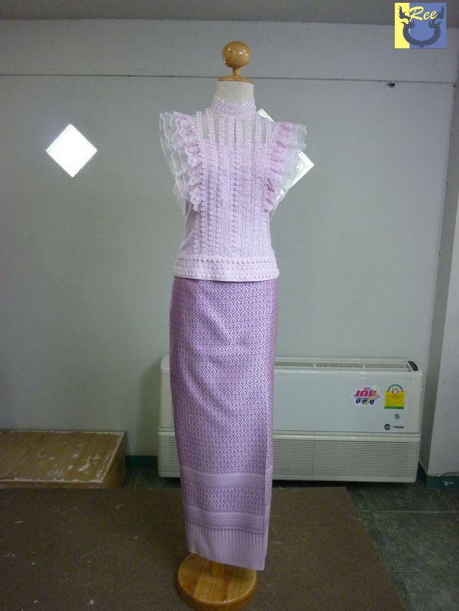 thai-wedding-dress. Love.