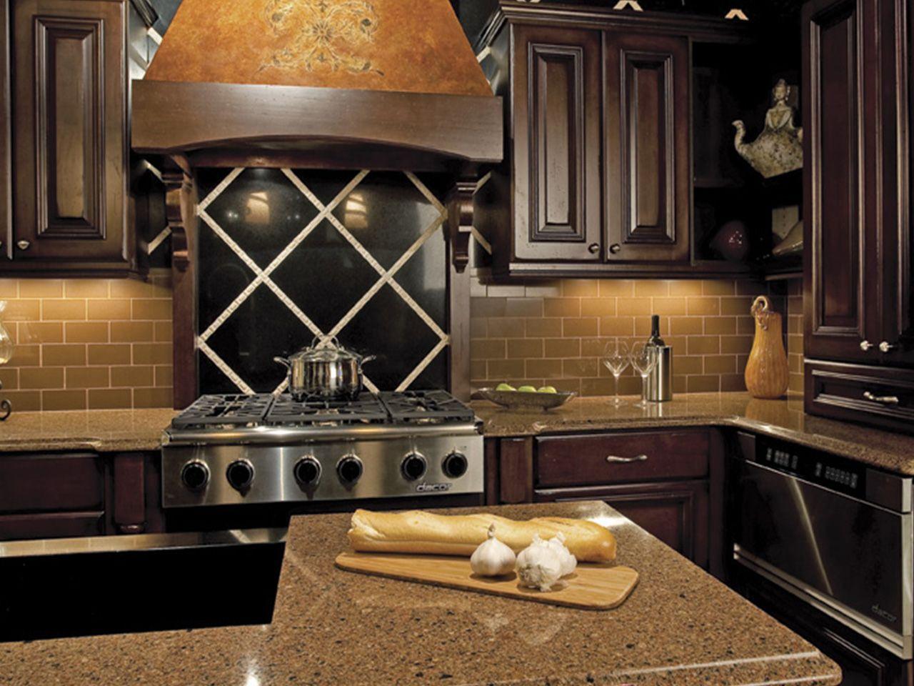 Traditional Kitchen Using Champagne Gl Subway Tile Backsplash Https Www Subwaytileoutlet