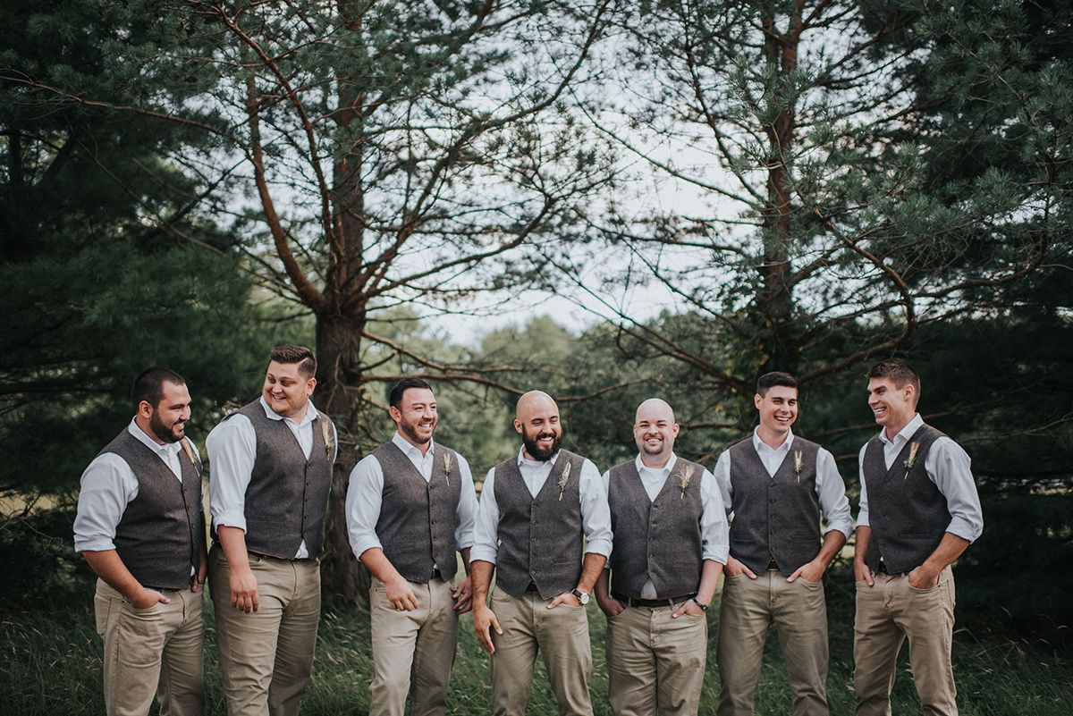A Rustic Meadow Ridge Farm Ohio Wedding The Overwhelmed Bride Wedding Blog Socal Wedding Planner In 2020 Rustic Wedding Groomsmen Socal Wedding Ohio Wedding