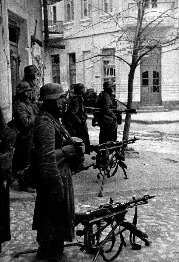 Romanian and German Troops in Bessarabia, Ukraine and Crimea, 1941-42. Part III