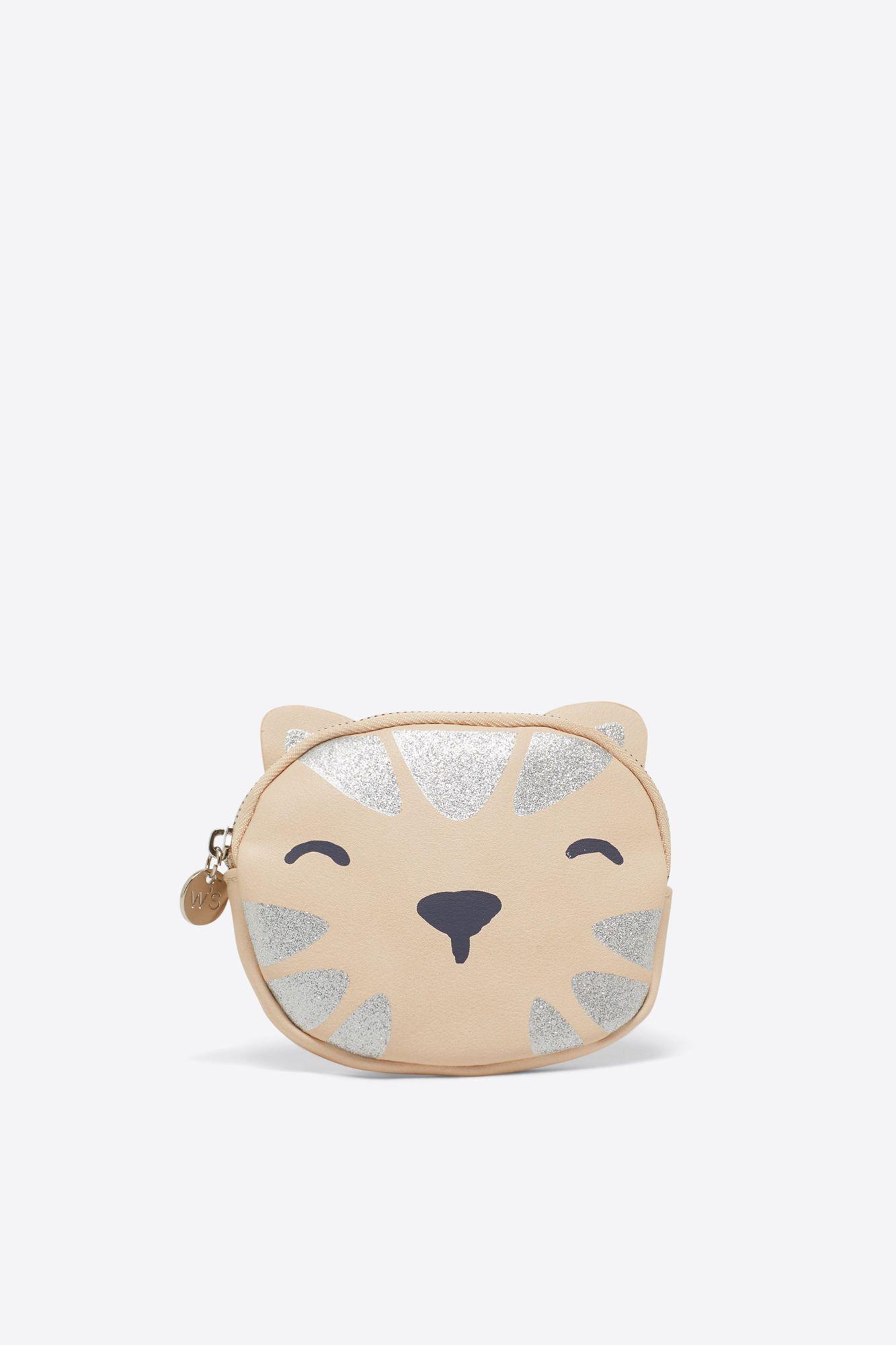 https://womensecret.com/pt/en/accessories/cat-pouch/3018164.html?dwvar_3018164_color=46