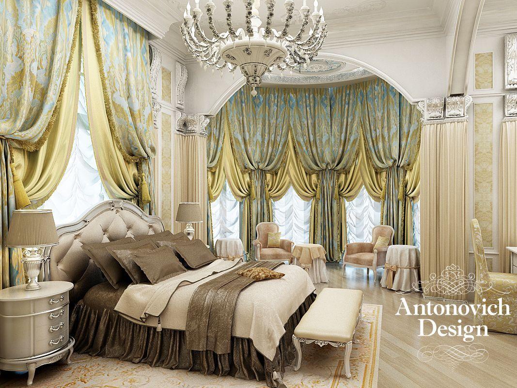 Bed against window with curtains  Классическая спальня в оливковых тонах способствует крепкому сну и