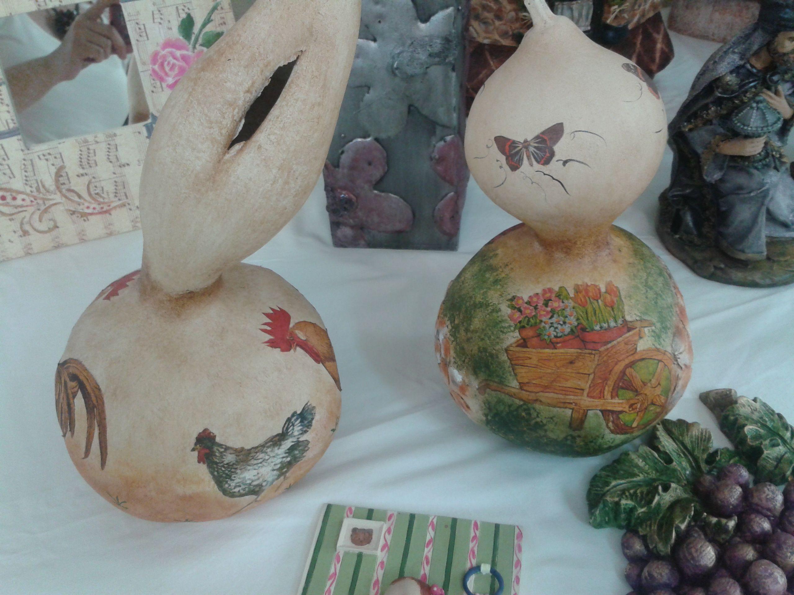 Calabazas secas y decoradas con decoupage y pasta de - Calabazas pintadas y decoradas ...