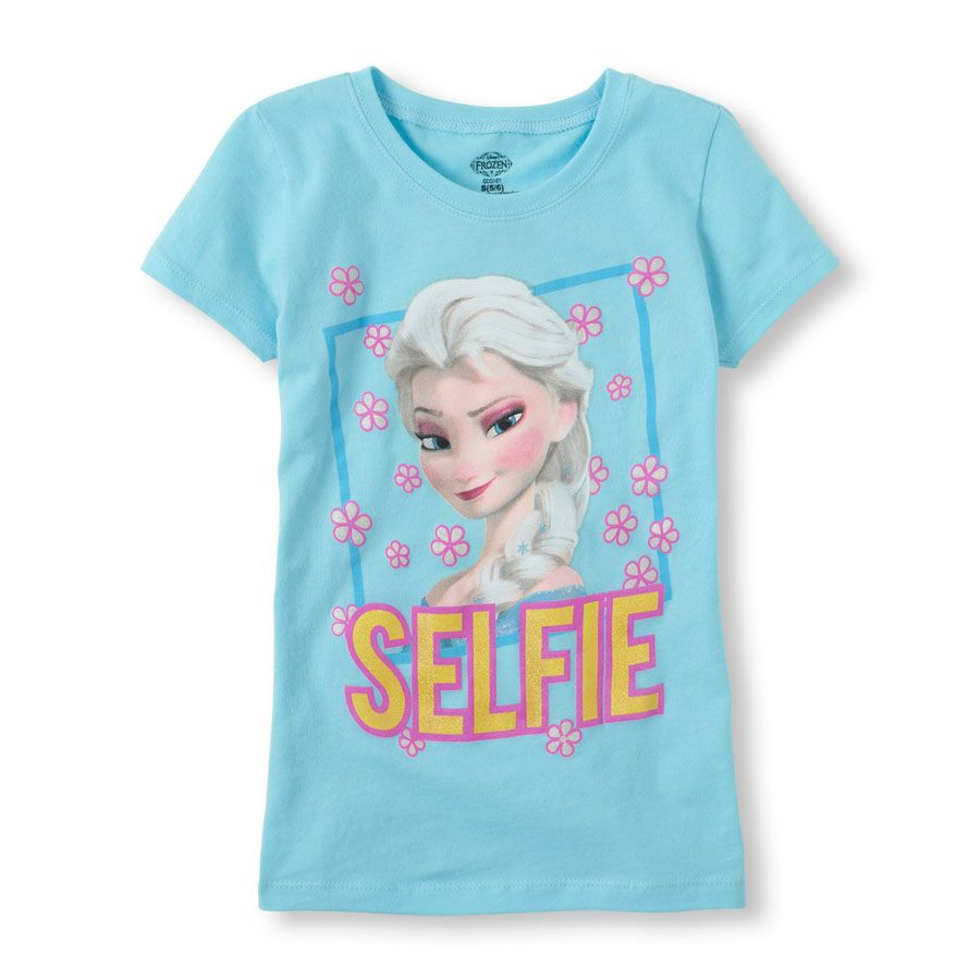 Frozen selfie graphic tee