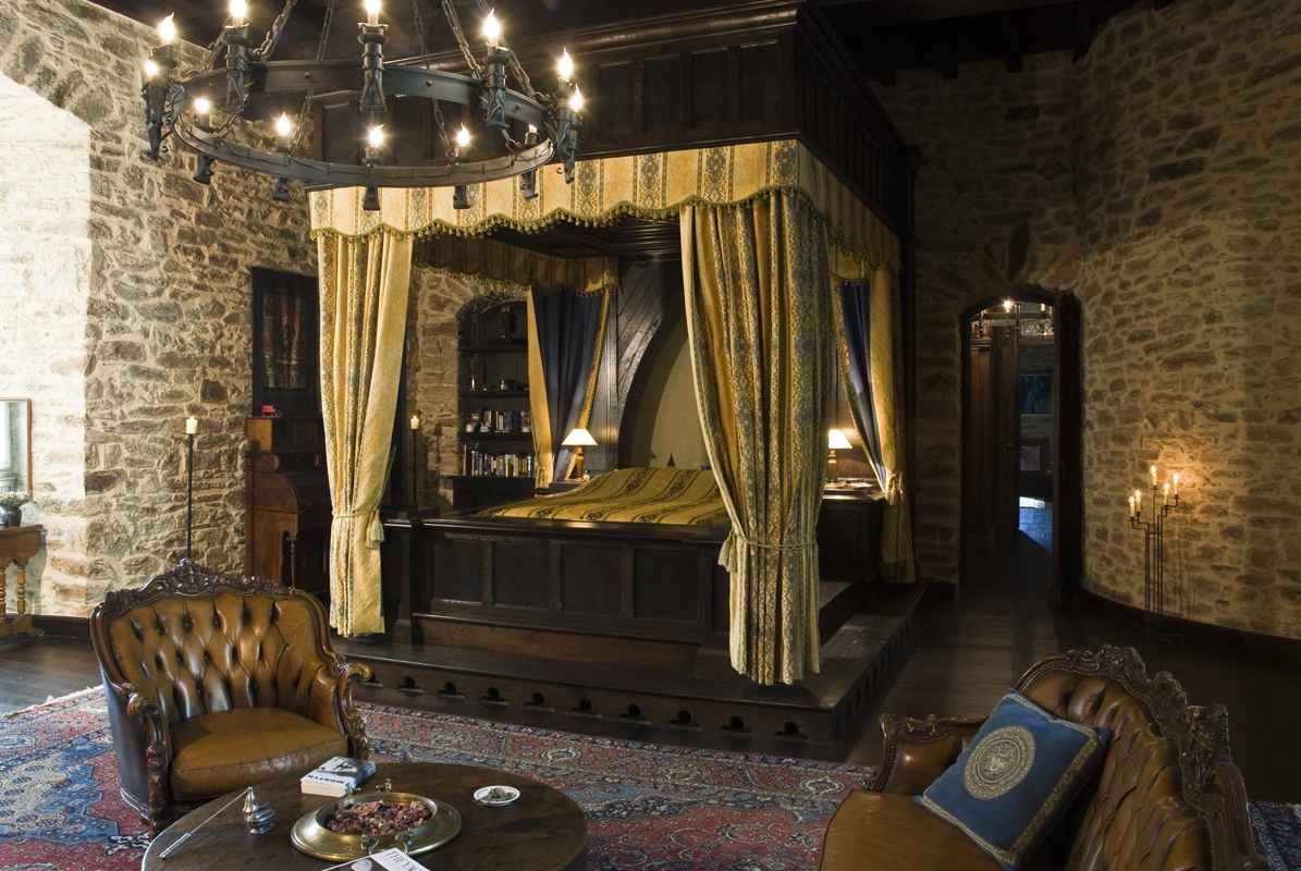medieval bedroom furniture. 45 Beautiful Bedroom Decorated with Canopy Beds Using more simple print or solid linens this would be