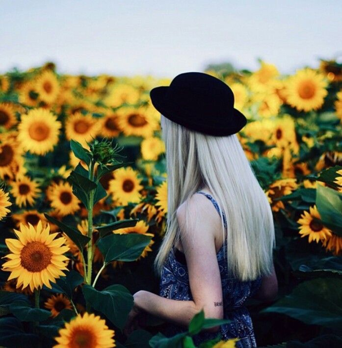 Be grunge and get in the sunflower field, I wish x