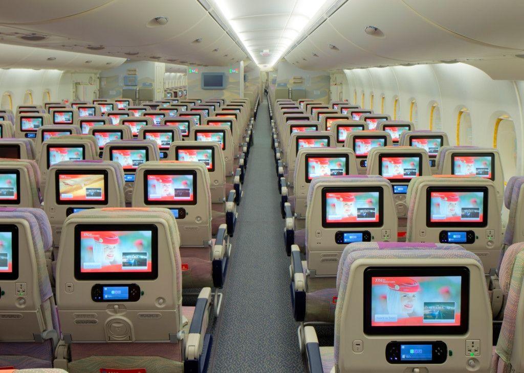 Syst me de divertissement ice d 39 emirates en classe for Avion airbus a380 interieur