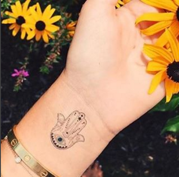Small Hamsa Tattoo Ink Youqueen Girly Tattoos Hamsa At Youqueen