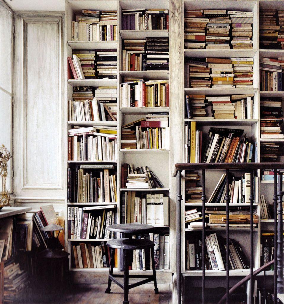 Lots of books... tão lindo!