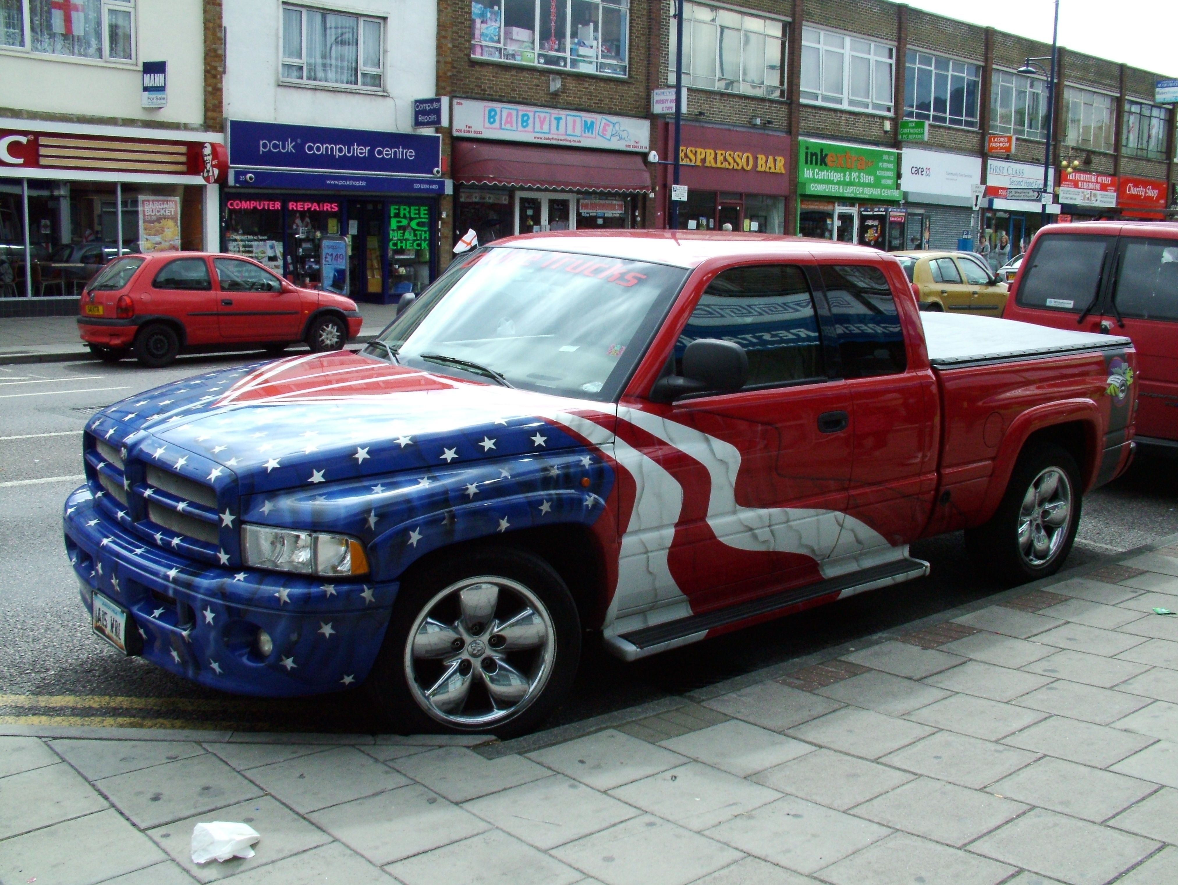 Now there's someone who loves 'MERIC Ram trucks, Dodge