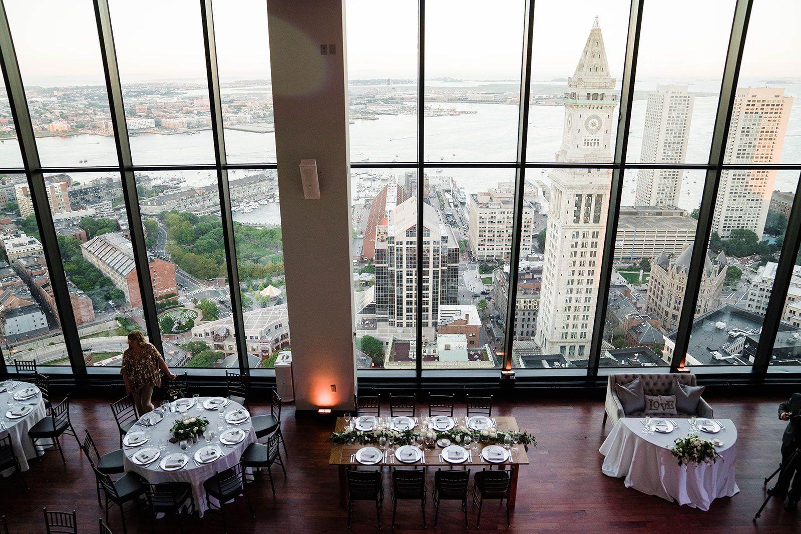 Real Boston Wedding At The State Room Boston Ma Longwood Venues Gina Brocker Photo Massachusetts Wedding Venues Boston Wedding Venues Wedding Themes Winter