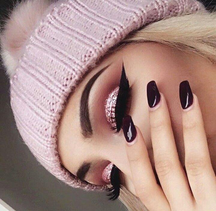 pink glitter cut crease | Gold makeup, Rose gold makeup ...