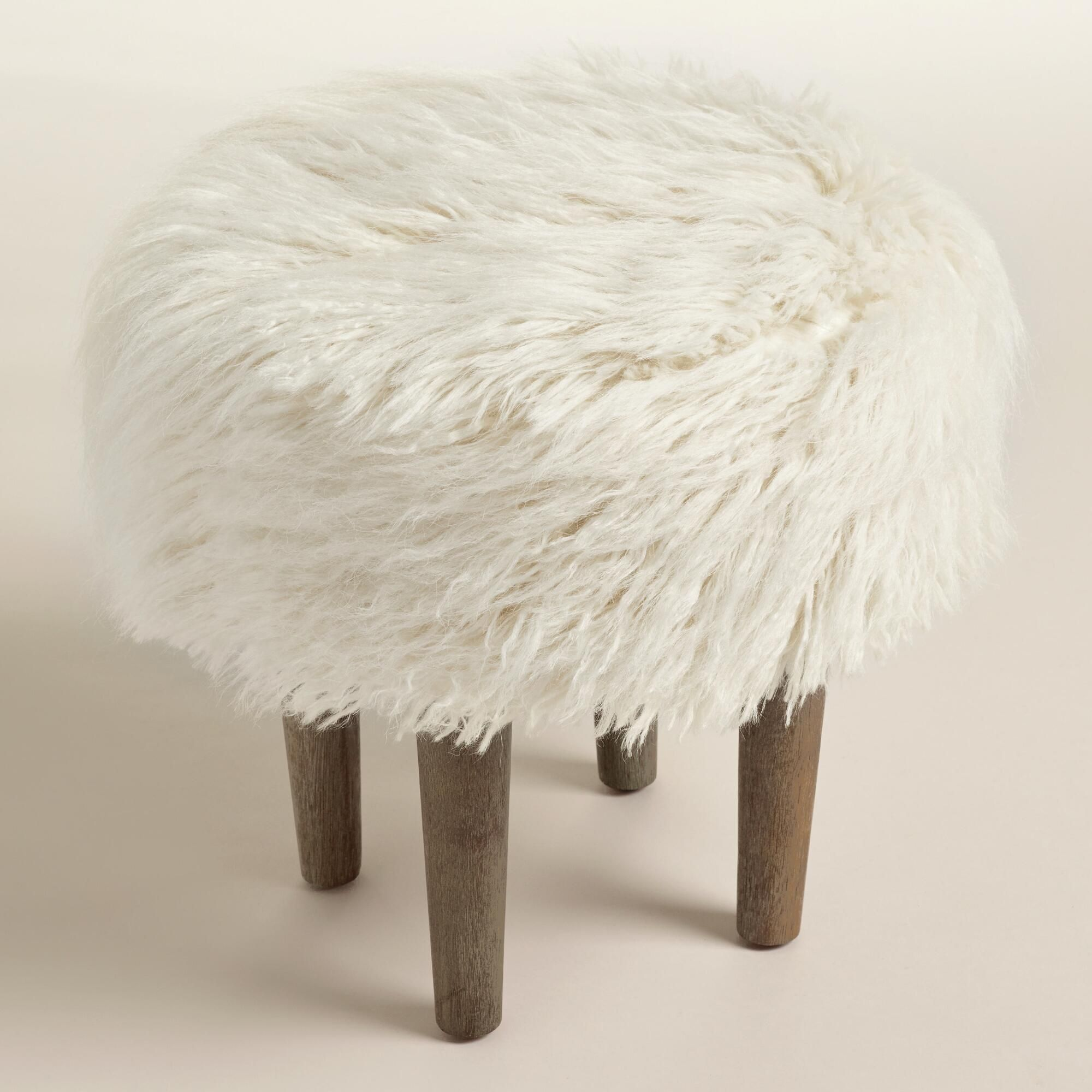 A Simple Diy Fur Bench Is Perfect For When The Air Starts To Turn
