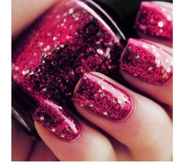 Ruby Glitter Mani