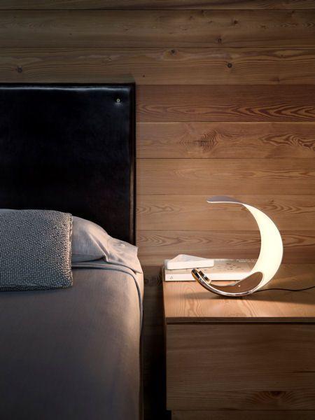 lampe de chevet led lune cette belle lampe design en forme de lune diffuse un clairage