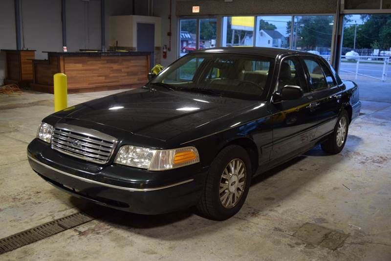 2003 Ford Crown Victoria Lx 4dr Sedan Crestwood Il With Images