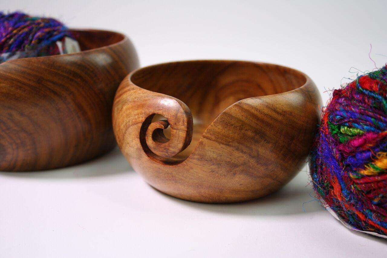 Fingerless gloves darn yarn - Handmade Wooden Yarn Bowl