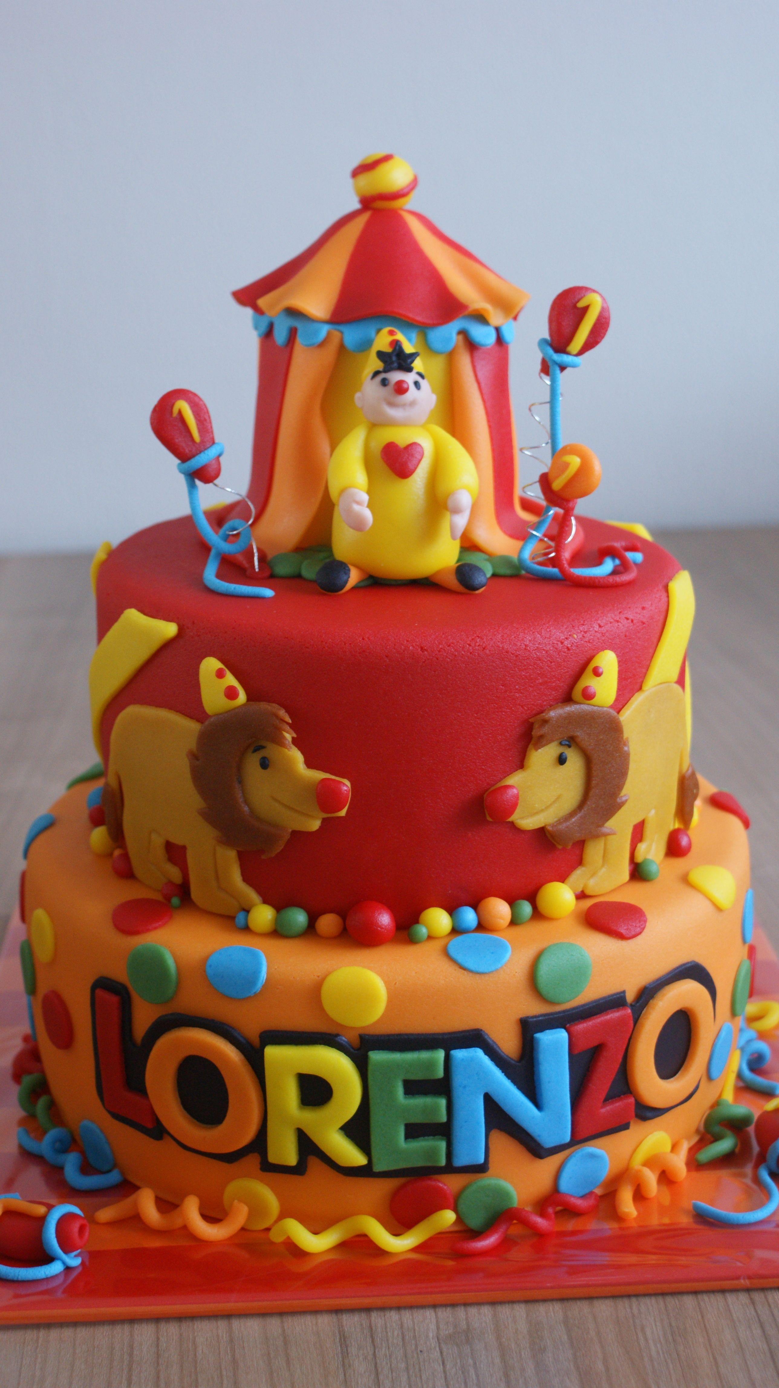 Funny Clown Cake Famous Dutchbelgium Clown Bj Cake Ideas