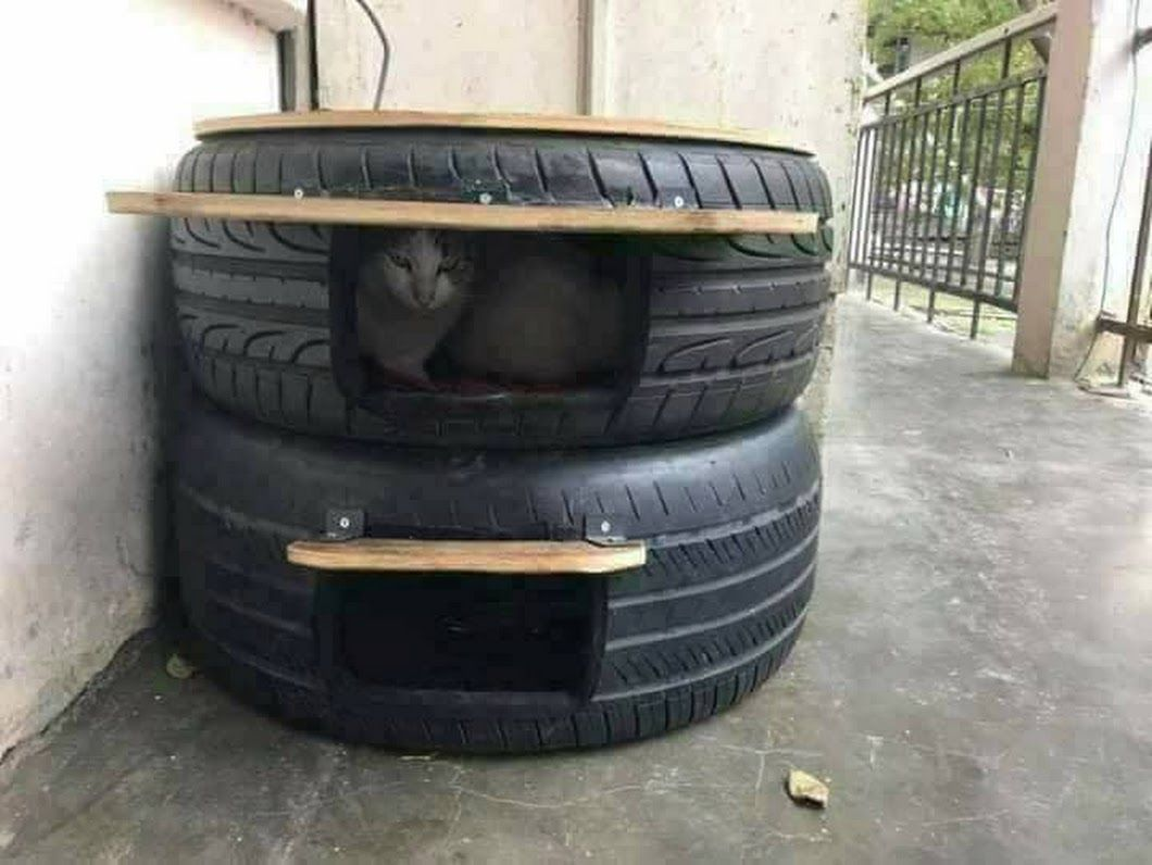 Top Pneu St Priest Outdoor Cat Shelters Made From Tires Diy Ideas Google Pet