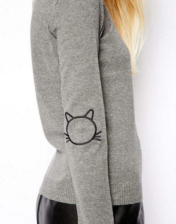 Sweater With Cat Elbow Patches. Create a style of intelligence, distinction and romantic fashion. Give your old sweater or jacket a new life. http://hative.com/diy-elbow-patches/