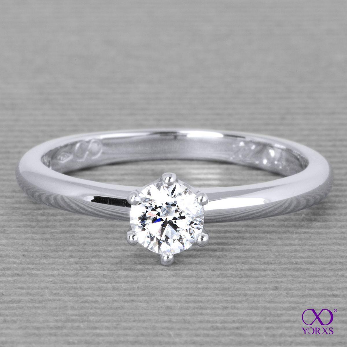 """Fraguma"" in platinum with an 0,4 ct diamond #fraguma #brillant #solitärring #yorxs"