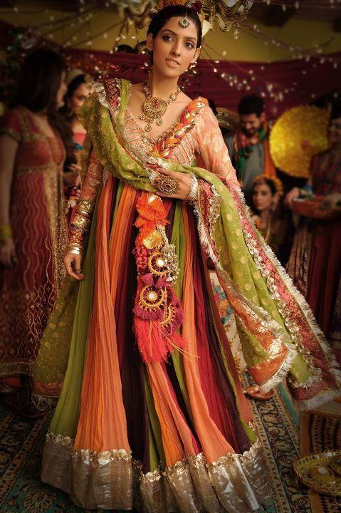 Bunto kazmi mehndi dresses images