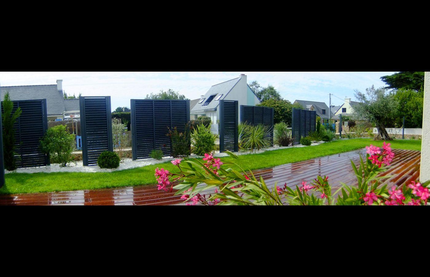 Cl ture en panneaux bois paysagiste jardins divers vannes for Paysagiste jardin moderne
