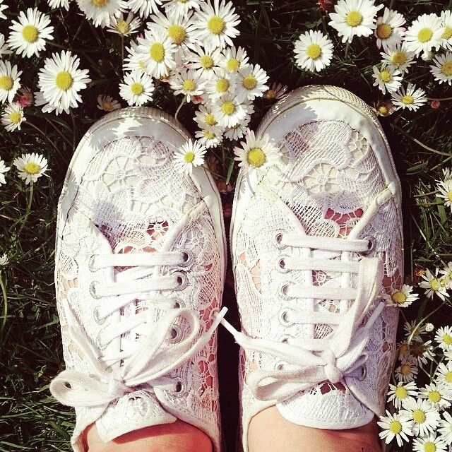 Flowers, summer and Superga. What else to ask for? #Superga! #Macramé #Summer #SupergaLover @parisamoouur #White #Love #Regrann #supergagreece #macramew #flowers