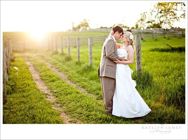 Farm Wedding Diy Bride Groom Photo 6 Alternative Venue Ideas For The Modern