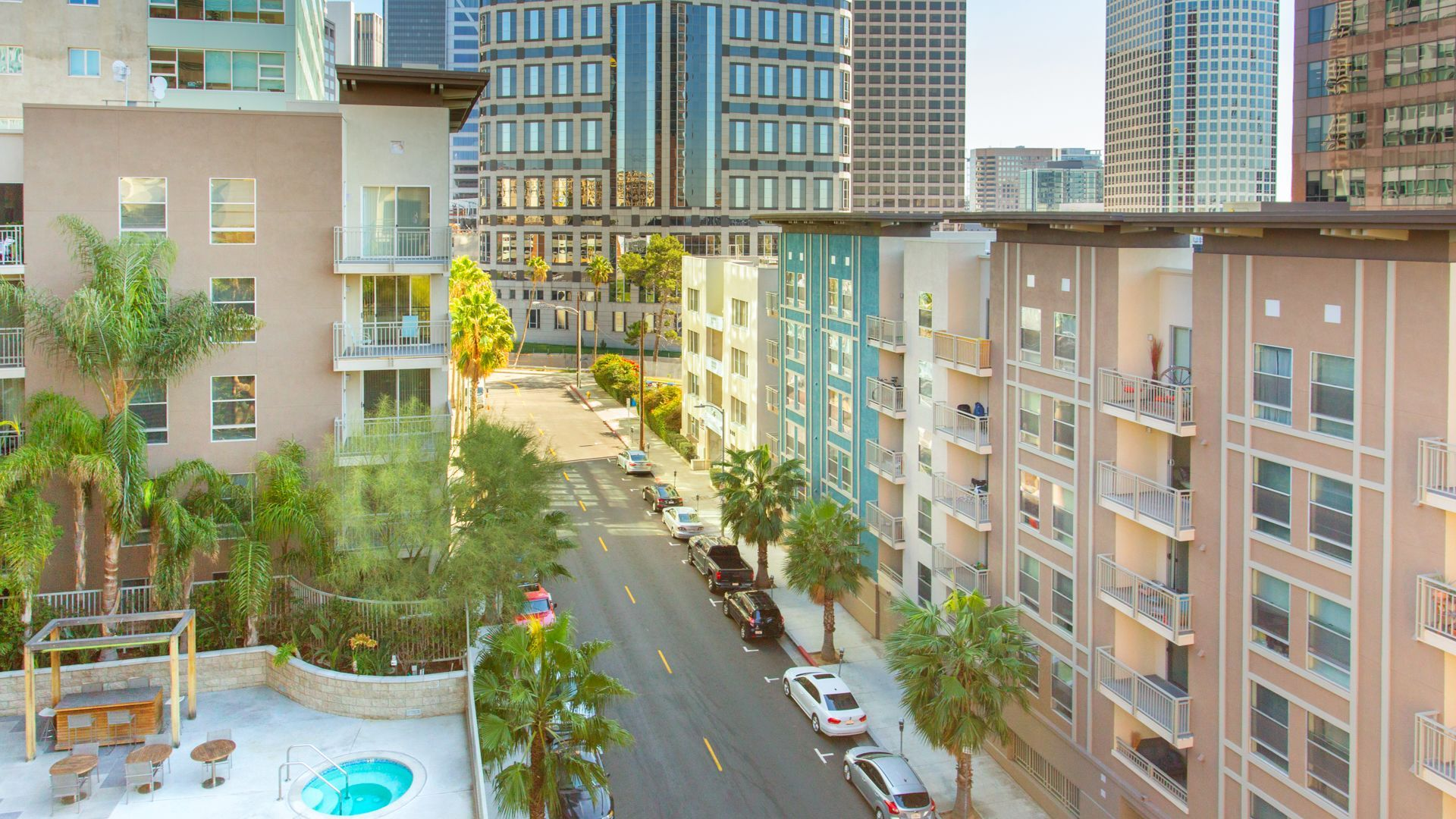 Glo Apartments Mid City Green Life Los Angeles