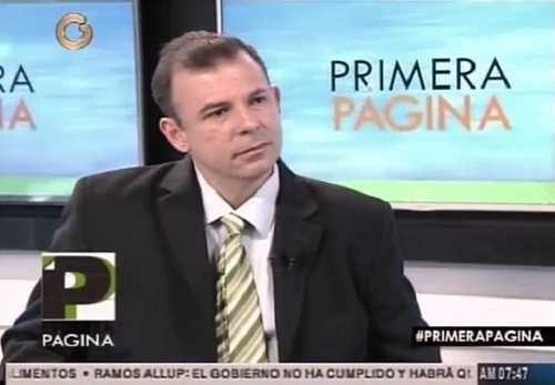 Roberto Enríquez: A los venezolanos se nos ha chantajeado con el diálogo