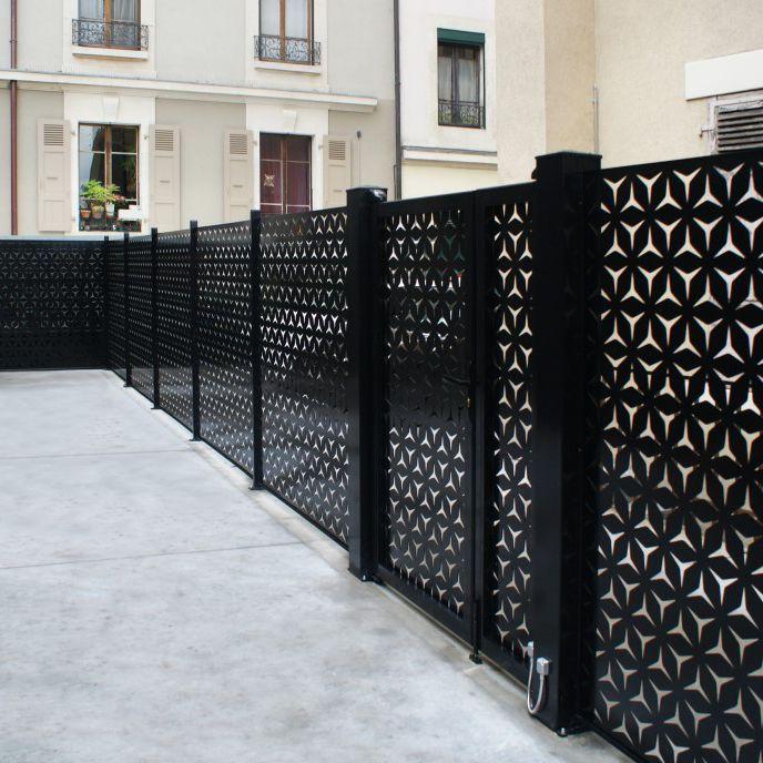 Cloture De Jardin A Panneaux En Aluminium De Haute Securite France Resille Claustra Cloture Jardin Cloture Maison
