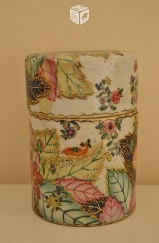 Caja de porcelana China de firma de los años 70 . VENTA NACIONAL - ESPAÑA -