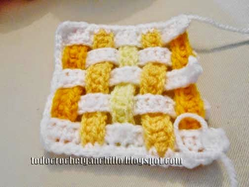 Cómo tejer agarraderas crochet con diseño de franjas entrelazadas ...