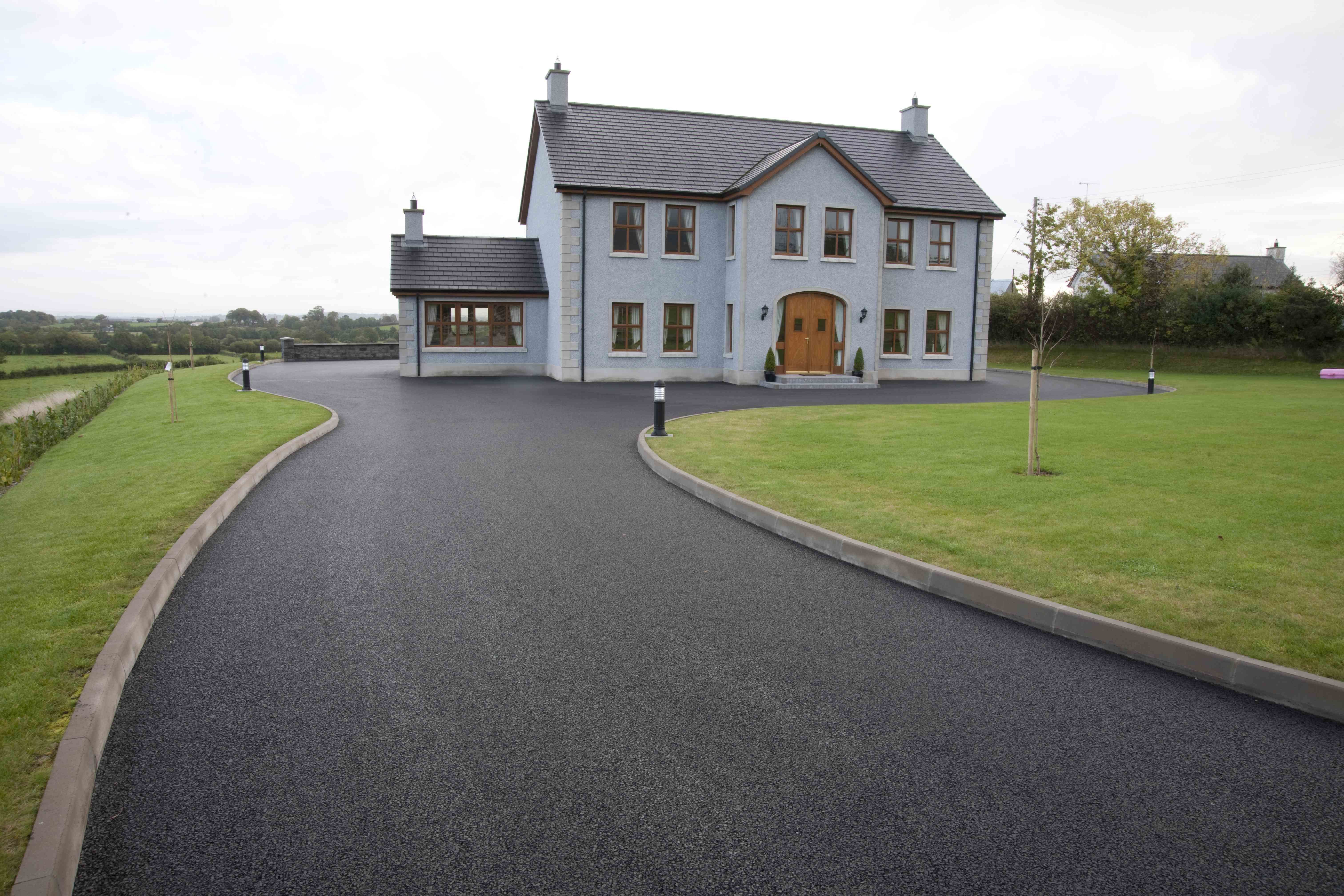 Private house with a new driveway surfaced using bitmac (tarmac ...