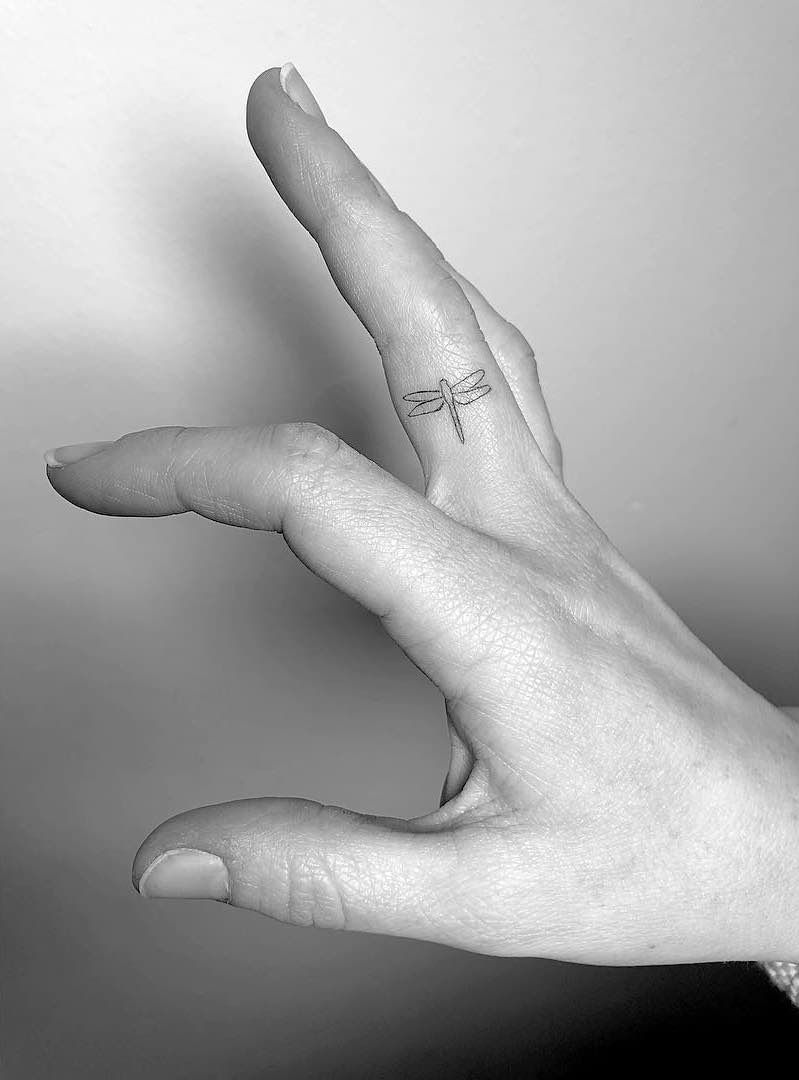 Photo of Finger Tattoos – Tattoo Insider
