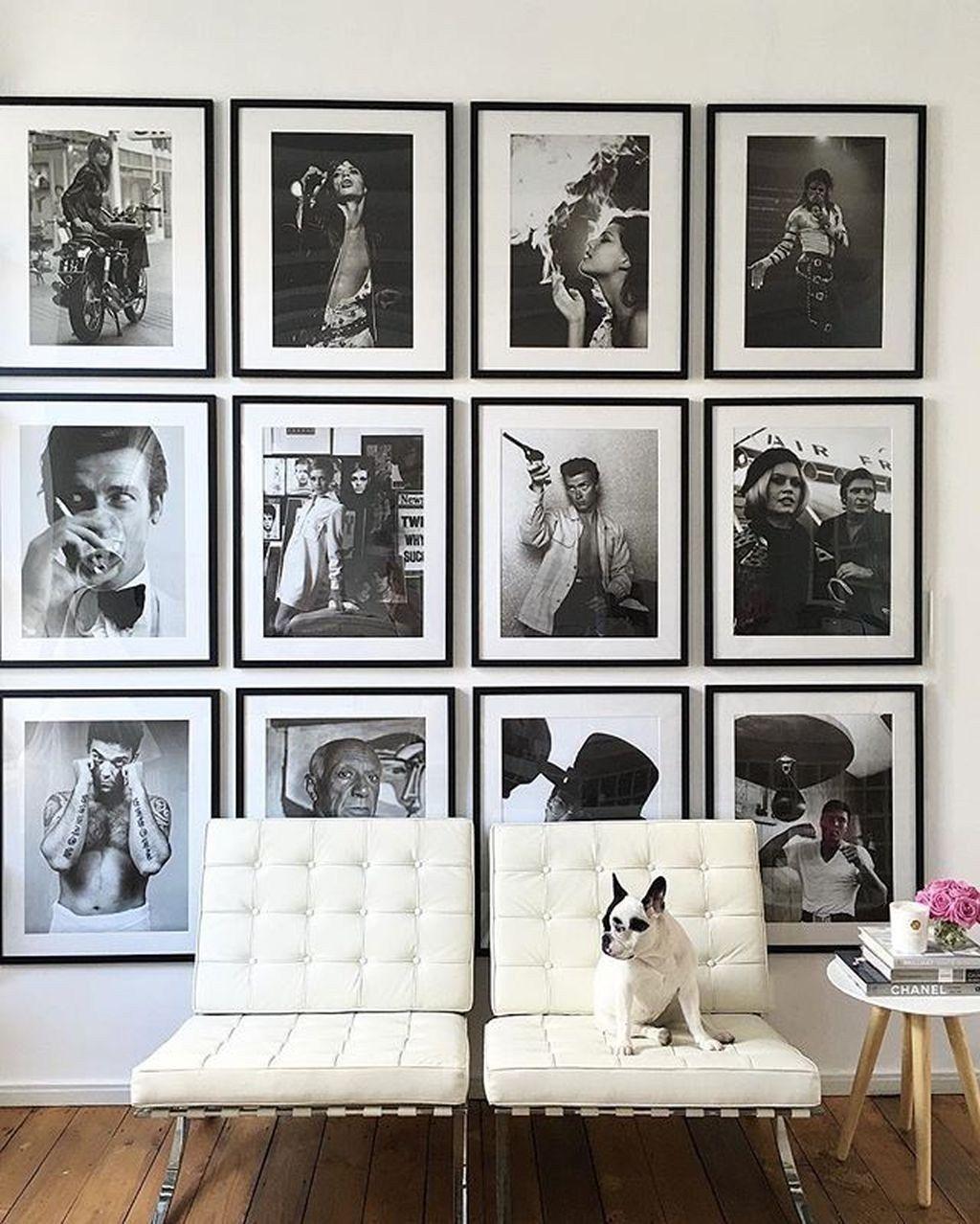 Beautiful gallery wall decor ideas to show photos album