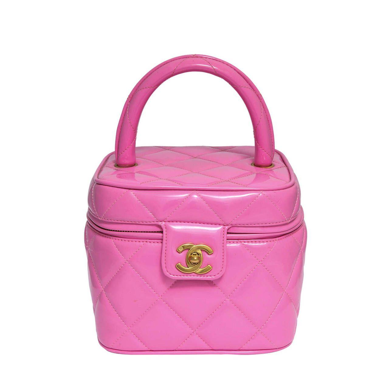 Chanel 1995  Pink Heart Mirror Vanity Case Bag | 1stdibs.com