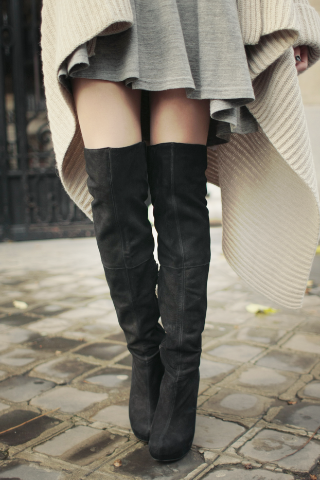love these boots with this flowy dress and sweater, looks comfy