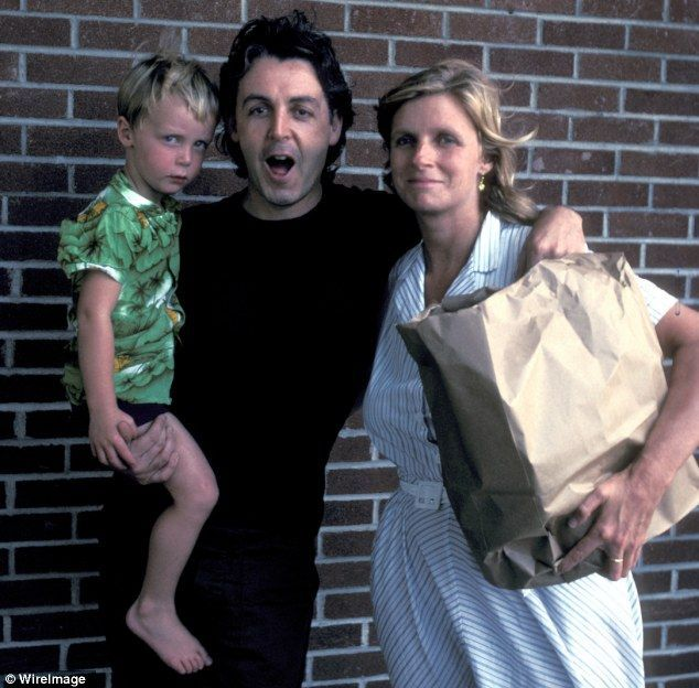 Paul McCartney Linda Eastman And Baby James