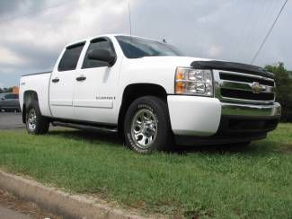 We Specialize In The 00 07 Classic Body Style Chevrolet Silverado Suburban Or Gmc Sierra Yukon Xl Check Out Ou Chevrolet Silverado Chevy Car Dealer