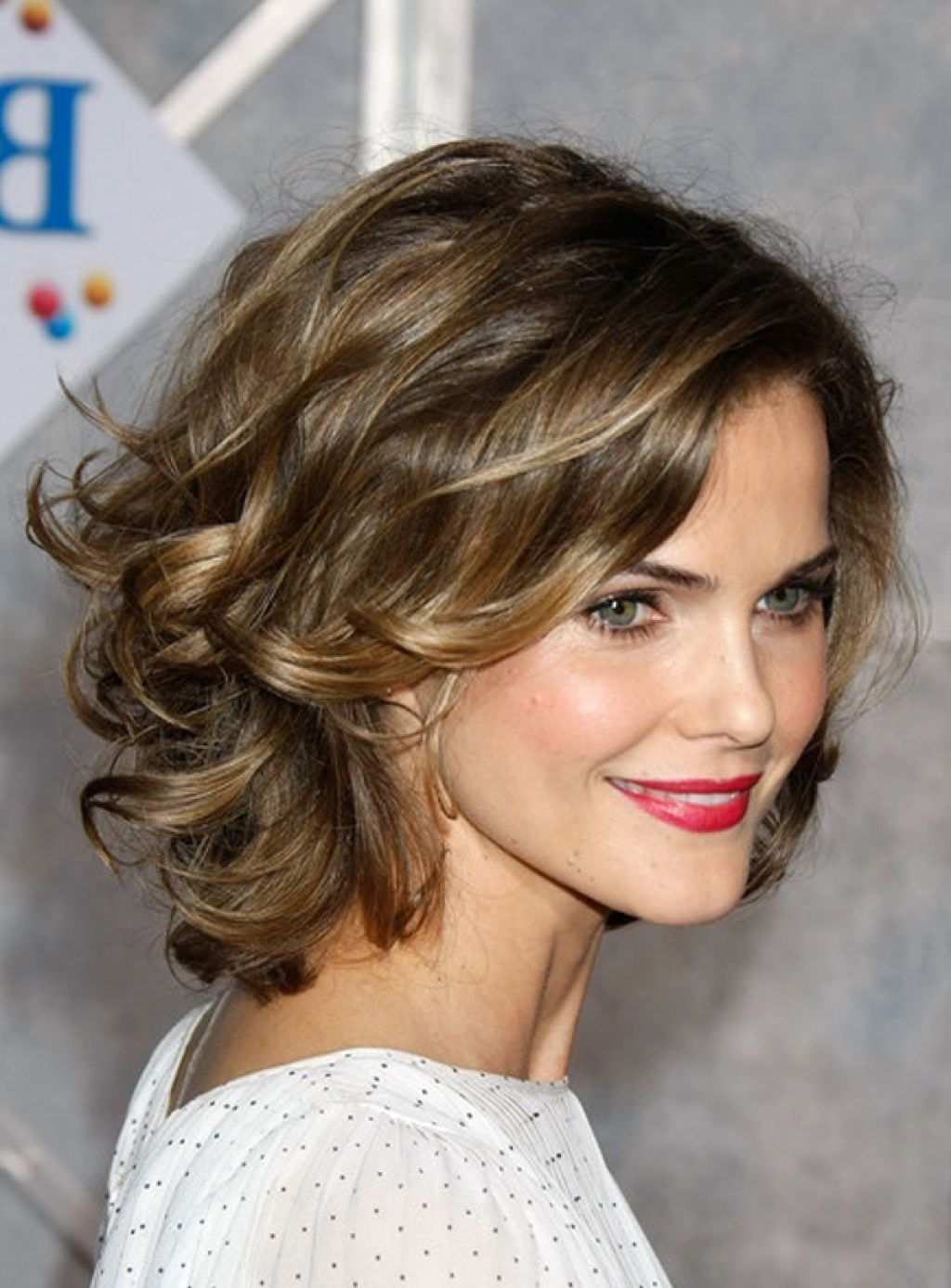 medium hairstyles to make you look younger | textured hairstyles